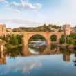 Panorama of famous Toledo bridge in Spain, Europe. — Stock Photo