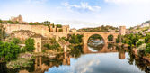 Panorama of famous Toledo bridge in Spain, Europe. — Foto Stock