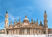 Basílica de nuestra señora del pilar en españa, europa. — Foto de Stock