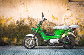 Scooter parked at old building in Vietnam, Asia. — Stock Photo