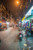 Street life of Hanoi at night in Vietnam, Asia. — Stock Photo