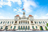 Beautiful Ho Chi Minh City Hall in Vietnam, Asia. — Foto de Stock