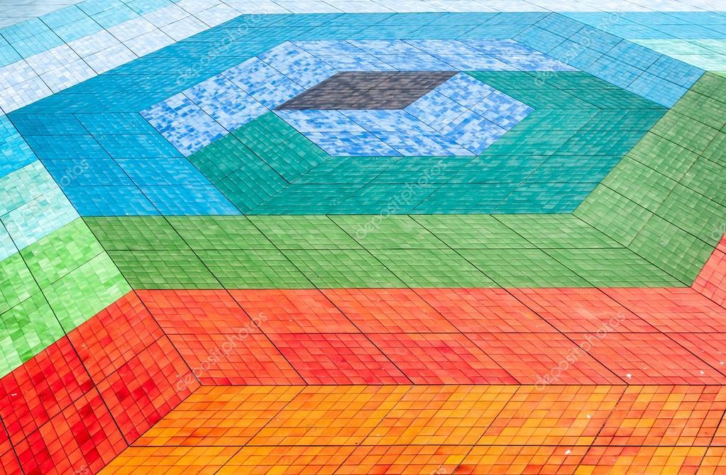 Piso de mosaico de azulejos de diferentes colores foto - Mosaicos de colores ...
