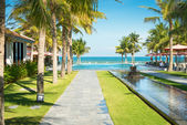 Scenic view of tropical resort — Stockfoto