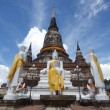 Pagoda and Buddha Status at Wat Yai Chaimongkol, Ayutthaya, Thai — Stock Photo #30253845