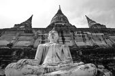 Boeddha standbeeld in thailand — Stockfoto