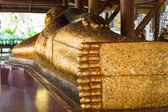 Statue de bouddha couché — Photo