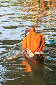 Thai monk on boat — 图库照片