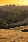 Tuscany Farm on Top of Hill — Stock Photo
