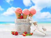 Ice Creams On Vacation — Stock Photo