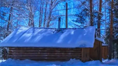 Hunter's hut in the moonlight. Timelapse. Scaling from the hut. — Stock Video