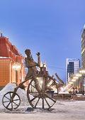 Sculpture dedicated cyclist. Russia, Ekaterinburg. — Stock Photo