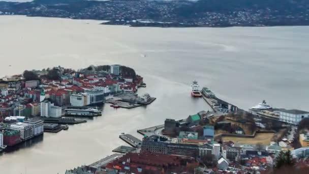 Puesta de sol sobre los fiordos. Bergen, Noruega. Timelapse — Vídeo de stock