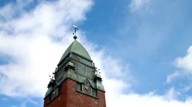 Clouds float above the clock tower. Goteborg, Sweden — 图库视频影像
