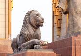 Lion statue at Somoni. Dushanbe, Tajikistan — Stock Photo