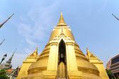 Golden pagoda in Wat Phra Keaw — Stock Photo