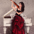 fille violoniste en robe rouge — Photo #36871289