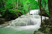 Wodospad erawan — Zdjęcie stockowe