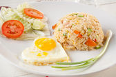 Thai fried rice with Fried egg — Stockfoto