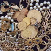 Jewels and gold closeup — Stock Photo
