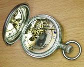 Archiwalne strony likwidacji mechaniczny zegarek — Zdjęcie stockowe