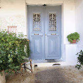 Entrance of an old house — Stock Photo