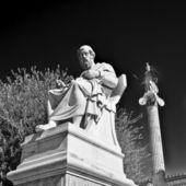 платон, древнегреческий философ и статуи афины — Стоковое фото