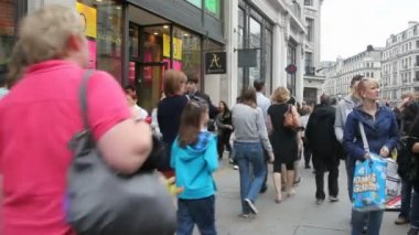 Shopping in London, UK — Stockvideo