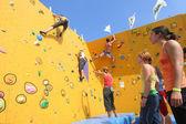 Climbing the Wall — Zdjęcie stockowe