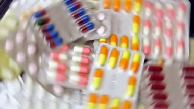 Pills and tablets — Stock Video