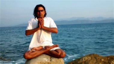 Yoga instructor — Stock Video