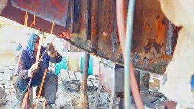 Metal arc welding — Stock Video