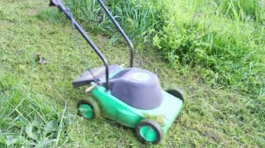 Lawn mower — Stockvideo