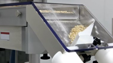 Machines for tableting drugs — Stock Video