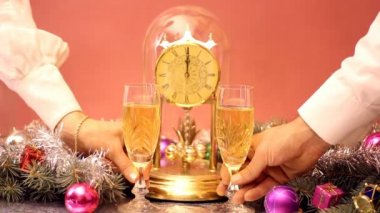 Toast a New Year's champagne — Stock Video