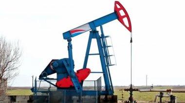 Oil pump — Stock Video