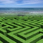 Labirynth Maze And Sea — Stock Photo