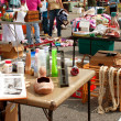 Shoppers Look Through Merchandise At City Garage Sale — Stock Photo