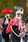Skeleton Puppeteers In Halloween Parade — Stock Photo