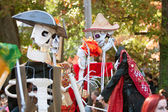 Skeleton Puppeteers Perform In Atlanta Halloween Parade — Stock Photo