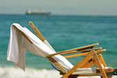 Wooden Deck Chairs Sit On Florida Beach — Stock Photo
