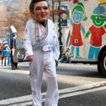 Elvis Bobblehead Character Walks In Atlanta Christmas Parade — Stock Photo