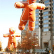Gingerbread Man Balloons Float Through Atlanta Christmas Parade — 图库照片