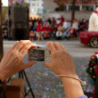 Point And Shoot Camera Captures Moments From Christmas Parade — Zdjęcie stockowe