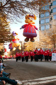 Large Balloon Characters Move Along Route Of Atlanta Christmas P — Stock Photo
