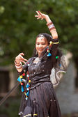 Indian Dancer Performs At Spring Festival — Stock Photo