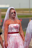 Bloody Zombie Bride Walks In 5K Race — Stock Photo
