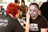 Man Gets Zombie Makeover From Makeup Artist — Stock Photo