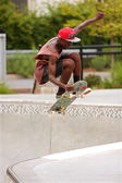 Teen Catches Air While Practicing Skateboard Jump Out Of Bowl — Stock Photo