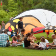 Families Enjoy Picnic Lunch At Summer Butterfly Festival — Stock Photo